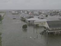 Primele efecte ale uraganului Barry. Ar putea urma noi furtuni devastatoare