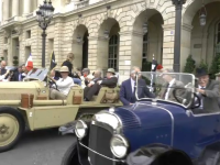 Expoziție impresionantă de mașini de epocă la Paris