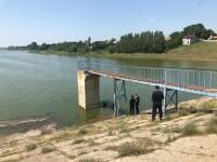 Anchetatorii au căutat indicii în lacul Drăghiceni, după ce au primit informaţii pe Facebook