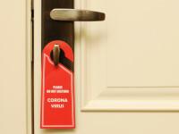 Focar de coronavirus la un hotel. Angajaţii au întreținut relații sexuale cu suspecții de COVID