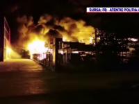 Incendiu de proporții în Iași, unde un depozit a luat foc. Populația a fost avertizată prin sistemul RO-Alert