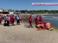 Șapte persoane aproape de înec, după ce au ignorat steagul roșu. Salvamar: Ne înjura pe mal