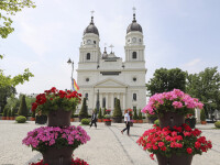 Preoți acuzați că au umflat și de cinci ori facturi din banii unor donatori. Reacția Mitropoliei Moldovei