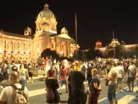 Serbia anunţă un număr record de morţi de COVID-19. Mii de oameni au ieșit iar în stradă