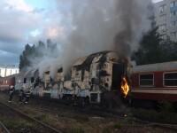 Incendiu puternic. Două vagoane de tren, cuprinse de flăcări