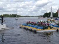 Record doborât pe un lac din Lituania. Peste 100 de muzicieni au cântat de pe hidrobiciclete