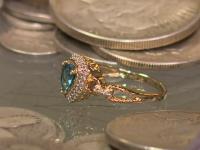 Un om de afaceri a ascuns o comoară fabuloasă şi vinde indicii pentru a o găsi