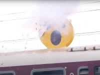 VIDEO. Cum încearcă CFR sa convingă tinerii să nu se urce pe trenuri pentru a-și face selfie-uri