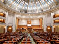 Data alegerilor parlamentare se stabileşte prin lege organică, cu cel puţin 60 de zile înainte