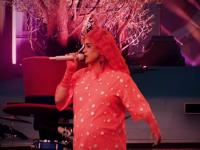 Artista celebră care a susținut un concert, gravidă în opt luni
