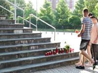 Au fost aprinse lumânări în fața Judecătoriei din Baia mare, după ce șoferul care a zdrobit 2 soți a fost eliberat
