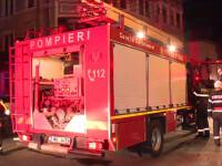 O familie cu trei copii din Cluj a rămas pe drumuri, după ce casa le-a luat foc din cauza unui scurtcircuit