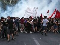 Proteste violente din cauza vaccinării și restricțiilor antiCovid: Zeci de persoane au fost arestate. VIDEO