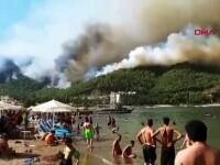 Incendii de vegetație în Turcia, pe coasta Mării Egee și în sud, în Antalya