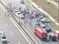 Carambol pe o autostrada din Statele Unite! 25 de masini distruse!