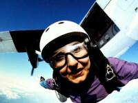 In cadere libera deasupra acoperisului lumii, la festivalul de skydiving