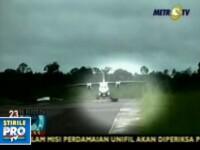 Avion iesit de pe pista din cauza unui caine!
