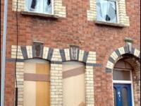 Romanii din Belfast, terorizati de rasisti!