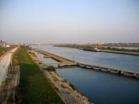 Femeia gasita moarta in Canalul Dunare-Marea Neagra, victima unei crime?