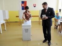 Slovacii au mers sa voteze la alegerile parlamentare cu barca