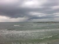 Furtuna violenta pe litoral. Turistii au fugit ingroziti de pe plaje