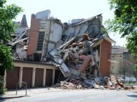 Nordul Italiei a fost zguduit de un nou cutremur. Cladiri daramate si populatie cuprinsa de panica