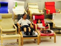 Asiaticii rosesc in fata rafturilor de la Ikea. Cum sa le spunem copiilor ca dam banii pe