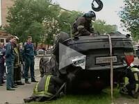 Un hot din Rusia i-a furat masina unui barbat, in timp ce acesta salva o femeie de la inec