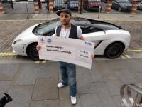 Un luptator de MMA, milionar la loterie, a incercat sa-si ucida iubita cu centura masinii de lux