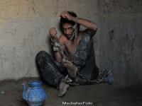 40 de zile in purgatoriu. Cum sunt tratati in Afganistan bolnavii psihic si dependentii de droguri