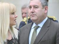 Elena Udrea a obtinut in urma divortului sase terenuri, trei cladiri si doua masini