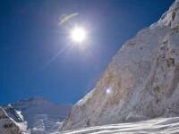 Momentul terifiant in care avalansa loveste tabara de baza de pe Everest. Cel putin 18 alpinisti au murit
