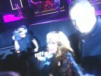 Rihanna, gest violent in fata scenei. Ce i-a facut vedeta unui fan insistent. VIDEO