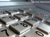 Metoda prin care doi romani au scos mii de euro de la bancomat cu cartela de metrou. Au produs panica in lumea bancara