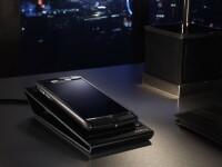 Cel mai nou smartphone lansat de bitanicii de la Vertu, asamblat manual: titan, safir de 118 carate, piele de aligator. FOTO