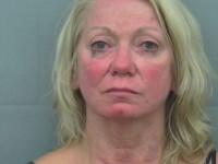 O femeie de 68 de ani din SUA a fost arestata pentru comportament indecent. Cum a fost surprinsa intr-un loc public
