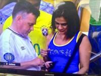 Campionatul Mondial 2014. Un fan al Angliei pozat in tribune alaturi de o brazilianca a fost acuzat ca-si inseala nevasta
