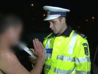Prins beat la volan, un sofer din Ploiesti s-a dezbracat in fata politistilor. Explicatia hilara pentru gestul sau