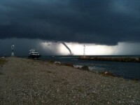 Fenomenele meteo extreme, filmate de utilizatorii www.stirileprotv.ro. Ai surprins imagini spectaculoase? Trimite-le si tu
