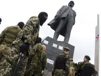 Tiruri de artilerile la Donetk. Ucraina spune ca nu a incalcat pacea, rebelii acuza o