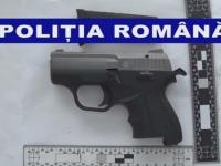 Barbat arestat preventiv la Galati. Politistii au descoperit un pistol cu gaze si 5 cartuse pentru care nu avea acte