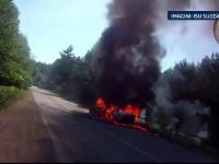 O familie din Suceava, la un pas de moarte. Masina in care se afla a luat foc pe drum
