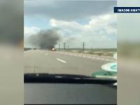 O motocicleta s-a rasturnat si a luat foc pe Autostrada Soarelui. Conducatorul a scapat cu rani usoare