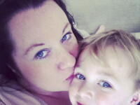 Momentul emotionant in care o mama isi ia adio de la copilul de 3 ani si il incredinteaza tatalui: