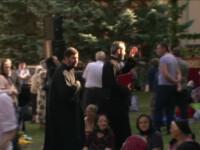 Mii de pelerini din toata tara au venit la Suceava, cu buchete de sanziene in mana. Pentru ce s-au rugat oamenii