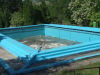 Final tragic pentru un muncitor din Gorj. S-a inecat chiar in piscina pe care o reamenaja