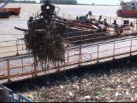 Situatie ingrijoratoare in Galati, unde Dunarea se transforma intr-o groapa de gunoi. Dezastrul produs de inundatii