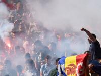 Fanii romani au aprins torte in tribune dupa golul lui Bogdan Stancu. Ce risca Nationala daca incidentele se vor repeta