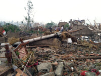 Ploi torentiale si tornade in estul Chinei. Sunt cel putin 78 de morti si 500 de raniti. VIDEO