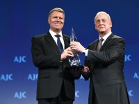 "Klaus Iohannis a primit, la Washington, distinctia ""Light Unto the Nations"". Discursul tinut de presedinte in SUA"